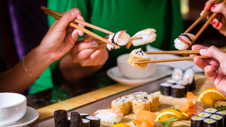 bitcoins-early-days-reporter-recalls-200k-sushi-dinner-after-spending-10-btc-former-bitcoin-dev-sells-55000-btc-for-under-30-768x432-1
