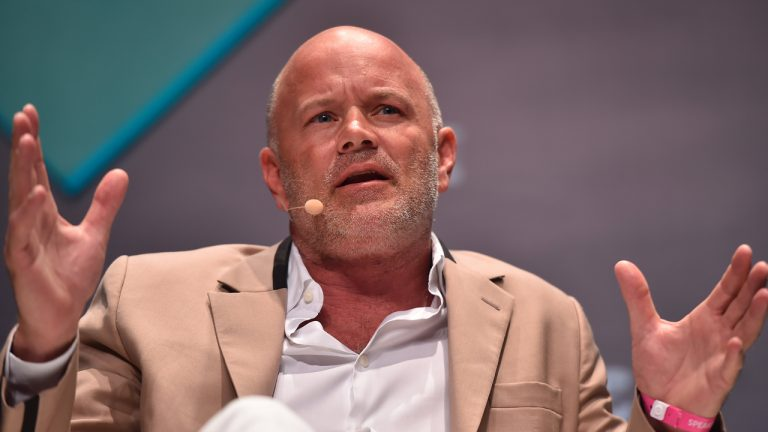 9-trillion-vs-100-trillion-billionaire-mike-novogratz-asks-which-cryptocurrency-will-win-the-payments-race-768x432-1