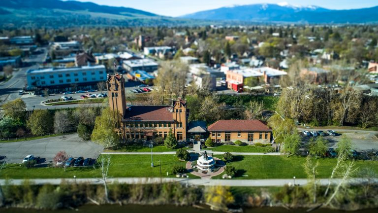 montana-county-to-hold-public-hearings-on-zoning-rules-for-crypto-miners-amid-growing-neighbors-complaints-768x432-1