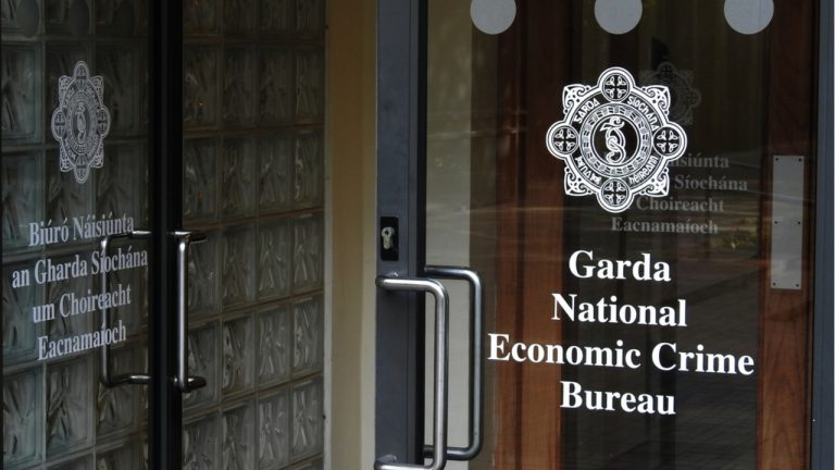 irish-police-investigates-massive-bitcoin-scam-that-allegedly-stole-millions-from-high-net-worth-individuals-768x432-1
